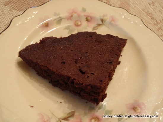 3-Minute Almond Irish Cream Chocolate Cake (Gluten Free, Grain Free)