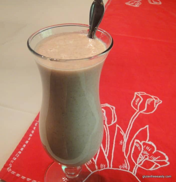 "Chocolate Coconut Chia ""Pet"" Smoothie Recipe. Nutritious and delicious. With a surprise ingredient! (photo)"