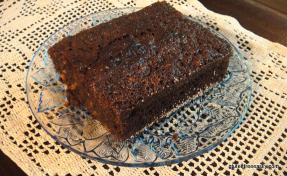 Gluten-Free Molasses Banana Bread is the very best banana bread!! This recipe tastes more like cake than your typical banana bread. In fact, Mr. GFE always thinks it's chocolate cake! [from GlutenFreeEasily.com]