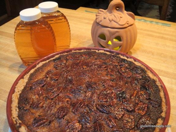 Pumpkin Pecan Pie. If you love both pumpkin pie and pecan pie, this Pumpkin Pecan Pie will become your new favorite for sure! [from GlutenFreeEasily.com] (photo)