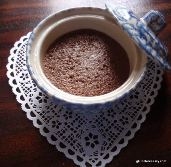 gluten free, grain free, dairy free, refined sugar free, flourless chocolate cake, molten chocolate cake, unmolten chocolate cake, chocolate pavlova