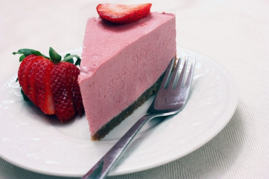 "Strawberry ""Cheesecake"" with Almond-Macadamia Crust from Tasty Eats At Home [featured on GlutenFreeEasily.com]"