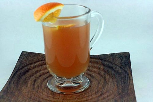 Wassail Hot Spiced Cider. One of 20 Last Minute Gluten-Free Halloween Treats [featured on GlutenFreeEasily.com] (photo)