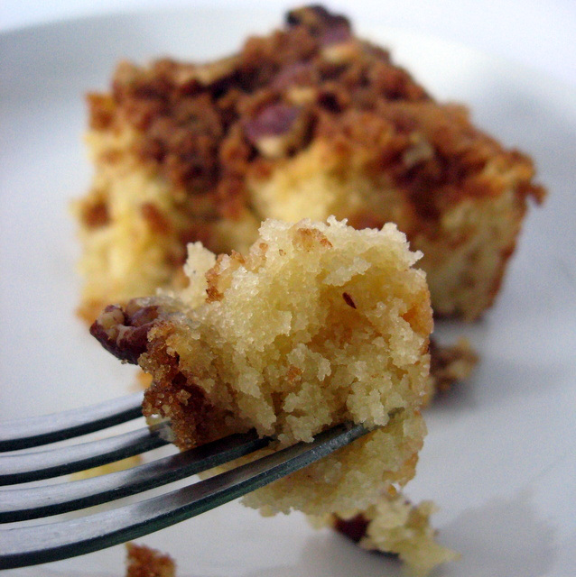 Sugar Crunch Cake from The Mommy Bowl