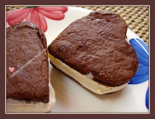 See How Many Ways You Can Make A Gluten-Free Ice Cream Sandwich! [AllGlutenFreeDesserts.com]