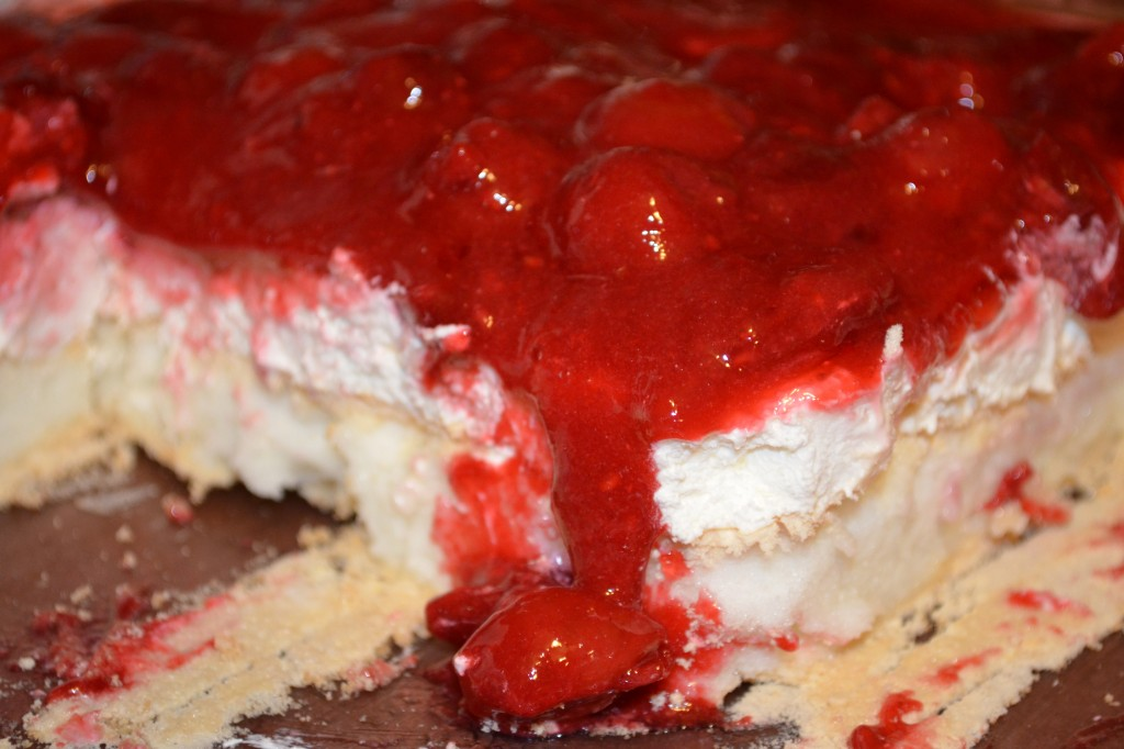 gluten free, layered dessert, Christmas, Valentine's Day, cherry pie filling, raspberries, whipped topping, recipe, dessert, Gluten-Free Cat