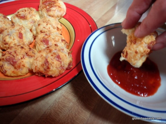 Pizza Bombs ... Chebe-Style Pizza Rolls