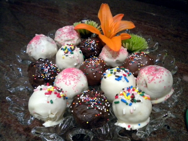 Cake Pop Balls from Perfect Pound Cake