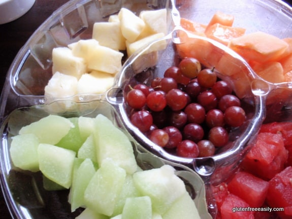 gluten free, dairy free, fruit, smoothie, recipe, watermelon, grapes, honeydew melon, canteloupe, pineapple, coconut milk, orange juice, bananas, what to do with leftover fruit platter