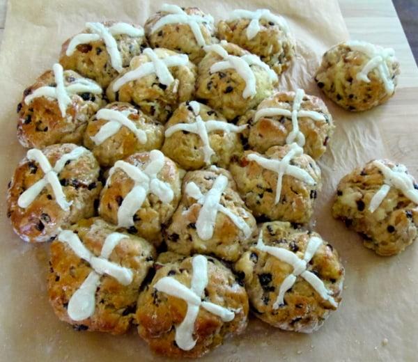 A delightful twist on classic hot cross buns. Gluten-Free Apple Cinnamon Hot Cross Buns
