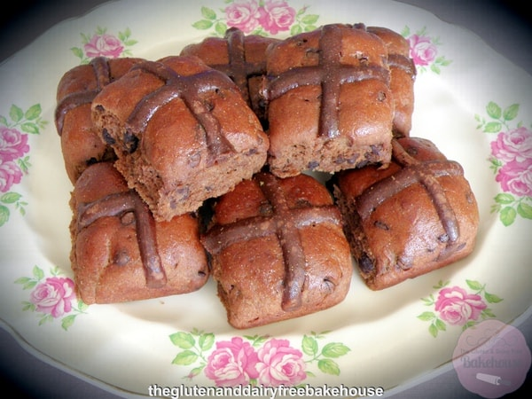 And you thought you'd never love Hot Cross Buns?! Gluten-Free Double Chocolate Hot Cross Buns ... YUM!
