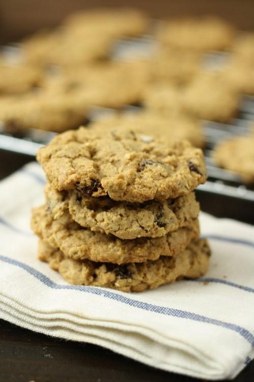Gluten-Free Oatmeal Raisin Cookies