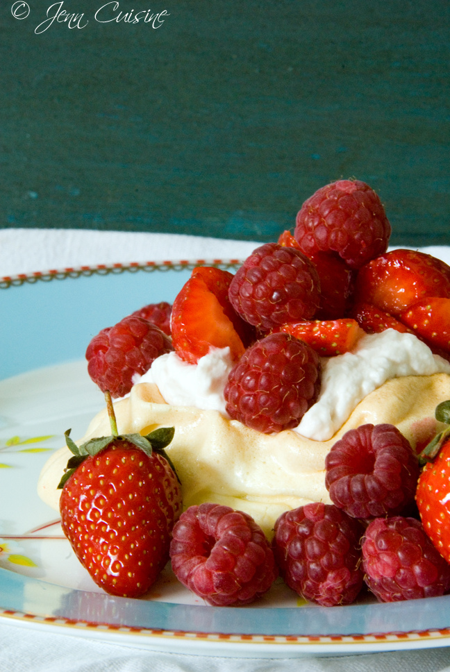 gluten free, grain free, dairy free option, pavlova, meringue, recipe, dessert, holiday, celebration, Jenn Oliver, Jenn Cuisine, all gluten-free desserts, best gluten-free dessert recipes, free gluten-free dessert recipes