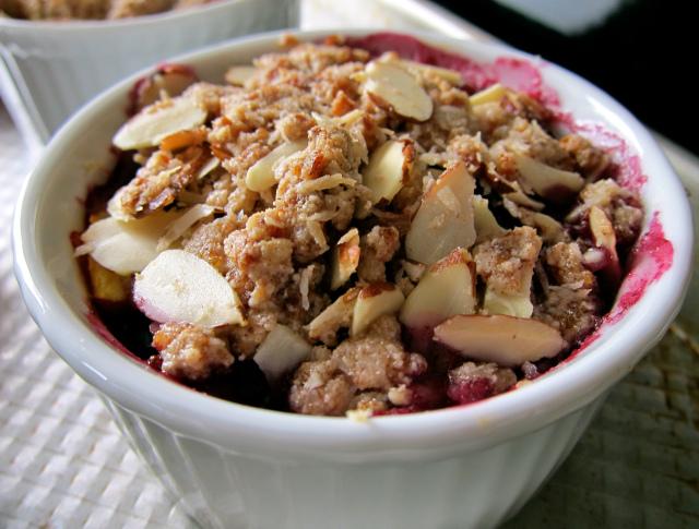 gluten free, dairy free, fruit crumble, vegan, vegetarian, paleo, primal, dairy free, egg free, fruit crumble, cherry almond crumble, Andrea, Simply Living Healthy