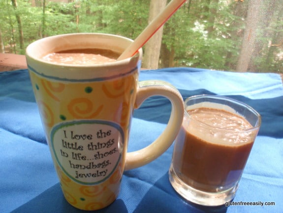 This luscious Chocolate Milkshake will give a Wendy's Frosty a run for its money! But this recipe is guten free, dairy free, refined sugar free, and vegan, so it can be enjoyed by pretty much everyone! [from GlutenFreeEasily.com] (photo)