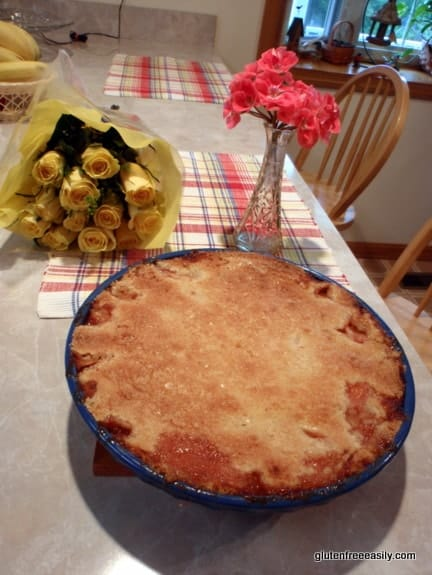 gluten-free peach pie, crustless peach pie, pour over crust, dessert, recipe, gluten free easily