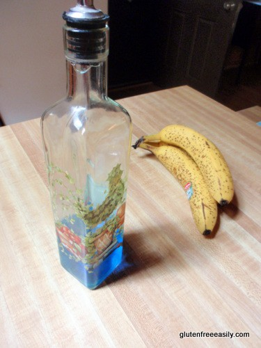Liquid-Dish-Detergent-in-Oil-Cruet