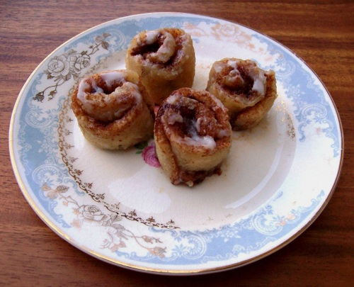2-Minute Cinnamon Rolls from Free-Range Cookies [featured on AllGlutenFreeDesserts.com]