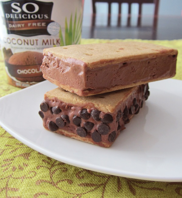 See How Many Ways You Can Make A Gluten-Free Ice Cream Sandwich! [AllGlutenFreeDesserts.com]
