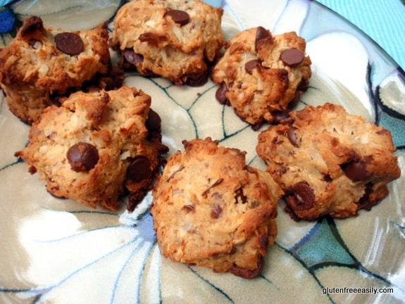 gluten-free chocolate chip cookies, grain-free chocolate chip cookies, gluten free, grain free, dairy free, paleo, primal, cookies, dessert, recipe, gluten free easily