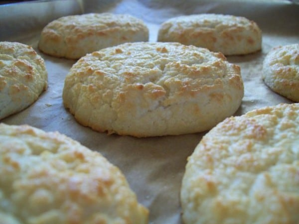 Perfect Paleo Biscuits from Simply Living Healthy [featured on GlutenFreeEasily.com]
