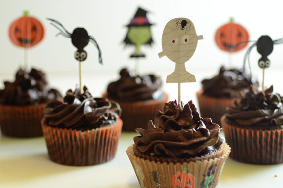 Paleo Halloween Cupcakes from Elana's Pantry. One of 20 Last Minute Gluten-Free Halloween Treats [featured on GlutenFreeEasily.com] (photo)
