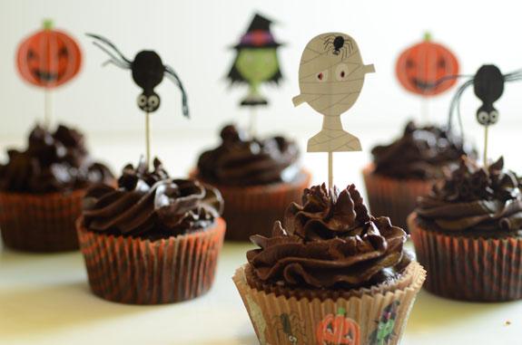 Paleo Halloween Cupcakes from Elana's Pantry. One of 20 Last Minute Gluten-Free Halloween Treats [featured on GlutenFreeEasily.com] (photo)