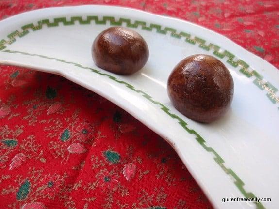 gluten-free protein balls, gluten-free power balls, paleo power balls, gluten free, dairy free, paleo, primal, almond butter, snacks, treats, recipe, dessert, raw