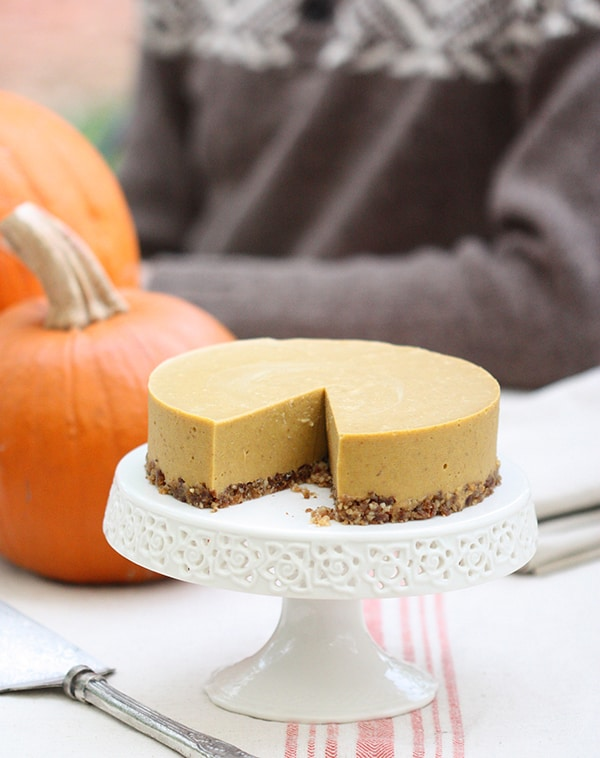 No-Bake Gluten-Free Dairy-Free Egg-Free Pumpkin Pie. One of 50 gluten-free pumpkin pie recipes on gfe. [featured on GlutenFreeEasily.com]