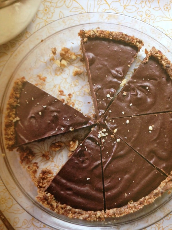 No-Bake Chocolate Pie with Raw Graham Cracker Crust [featured on GlutenFreeEasily.com]