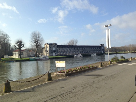 Building by River Jarnac France