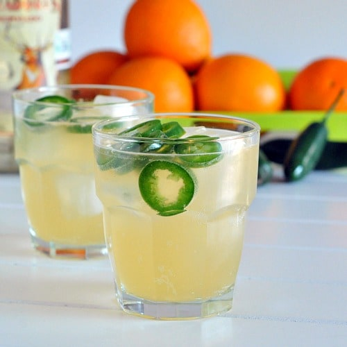 """Jalapeno Margaritas! From Kristina of Spabettie: """"Everyone's favorite summer cocktail with a spicy kick! naturally sweetened, this no-mixer margarita will be your summertime staple!"""""""