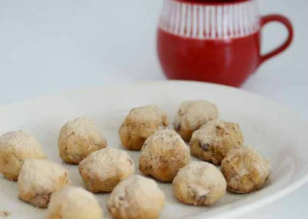 Mexican Wedding Cookies. One of several delicious last-minute gluten-free Cinco de Mayo desserts. [featured on GlutenFreeEasily.com]