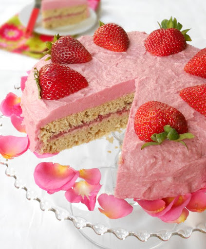 Gluten-Free Strawberry Cake The Spunky Coconut