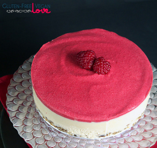 Raw-Vegan-White-Chocolate-and-Raspberry-Cake-_-Gluten-Free-Paleo-Gluten_Free_Vegan_Love-001