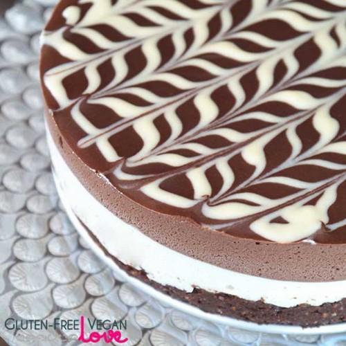 Raw_Vegan_Gluten-Free_Paleo_Black_and_White_Chocolate_Cake_Gluten-Free_Vegan_Love
