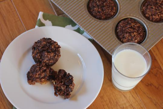 Chocolate-Banana-Oatmeal-Breakfast-Muffins-Lynn's-Kitchen-Adventures