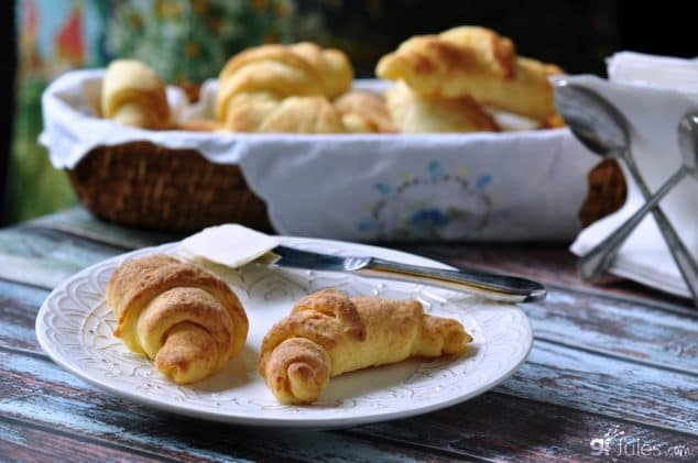 Gluten-Free Crescent Rolls will make your breakfast or tea very, very special! (photo)
