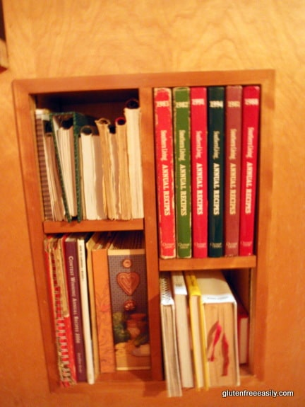 Built-In Kitchen Bookcase
