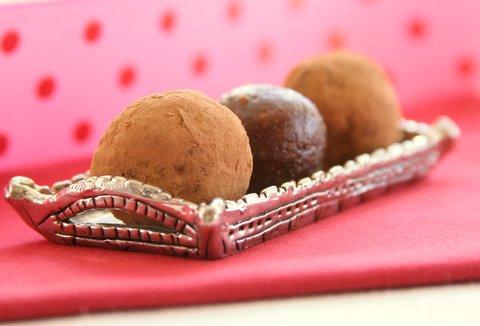 Chocolate Raspberry Truffle Balls Daily Bites