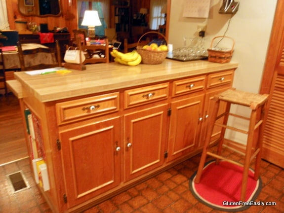 Kitchen Cabinet Side of Peninsula