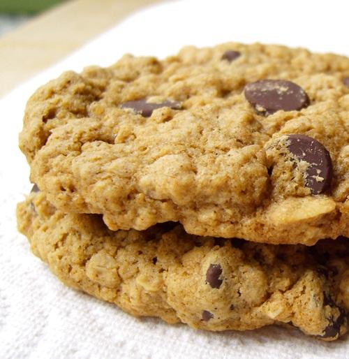 Gluten-Free Bakery Style Oatmeal Cookies