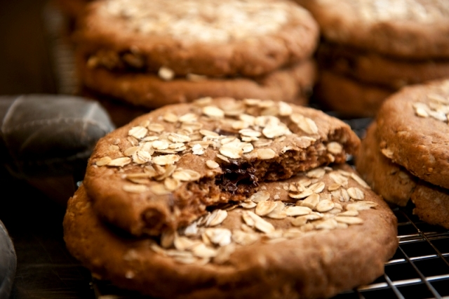 Gluten-Free Banana Oatmeal Chocolate Chunk Cookies. One of 60 gluten-free oatmeal cookie recipes! [on GlutenFreeEasily.com]