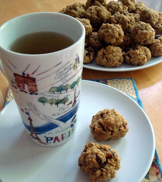 Gluten-Free Oatmeal Date Jumbo Cookies