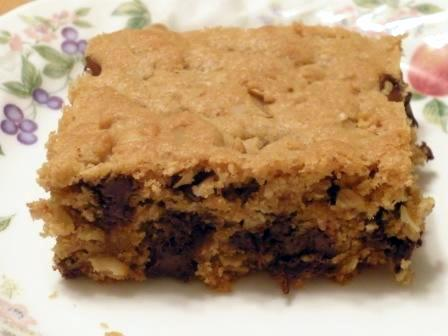 Gluten-Free Peanut Butter Chocolate Chip Oat Bars