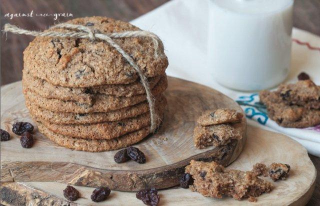 "Grain-Free ""Oatmeal"" Raisin Cookies"