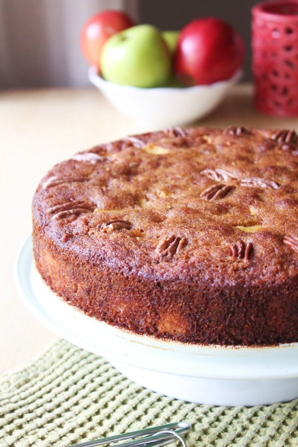 This Paleo Cinnamon Apple Cake is swoon worthy! I mean it even has a caramelization factor! It's gluten free, dairy free, and SCD compliant, too. [featured on GlutenFreeEasily.com] (photo)