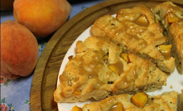 Another gluten-free peach pie dessert recipe! Gluten-Free Peach Pie Scones with Cinnamon Vanilla Glaze from Better Batter.