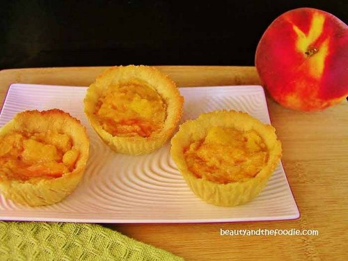 Paleo Peach Mini Pies from Beauty and the Foodie ~ gluten free ...