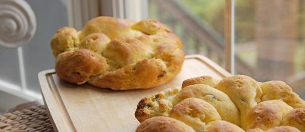 Gluten-Free Challah Bread Crown